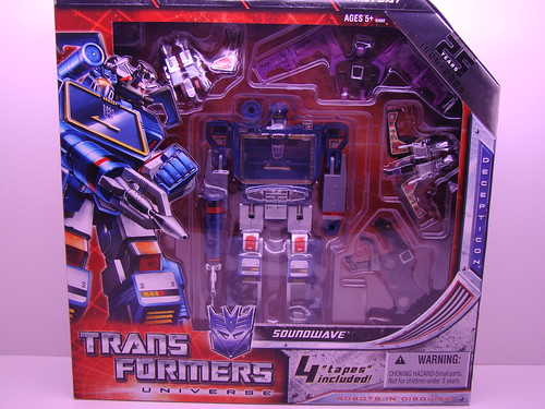 SDCC Transformers Soundwave