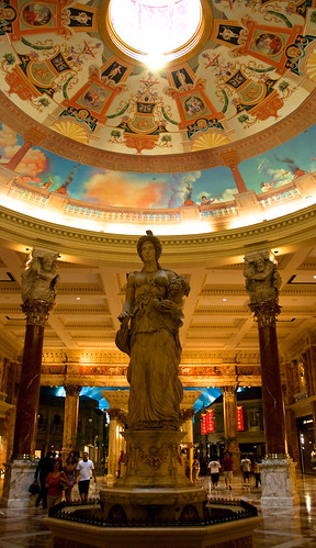 Statue at Caesar's Palace, wider shot