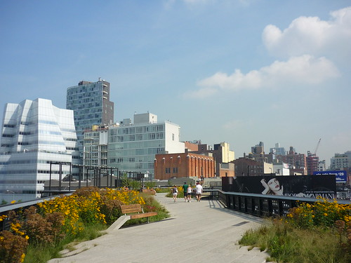 Walking the High Line Park