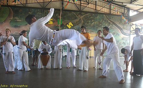 Capoeira Oxalá 06 por você.