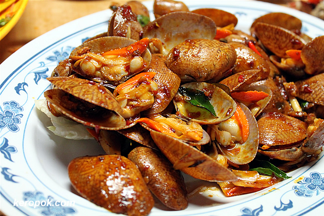 Spicy Sambal Clams