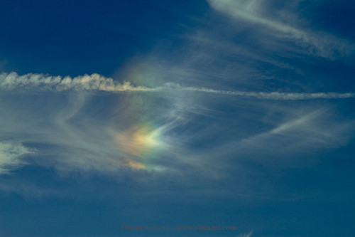 Circumhorizontal Arc (fire rainbow) over Miami...