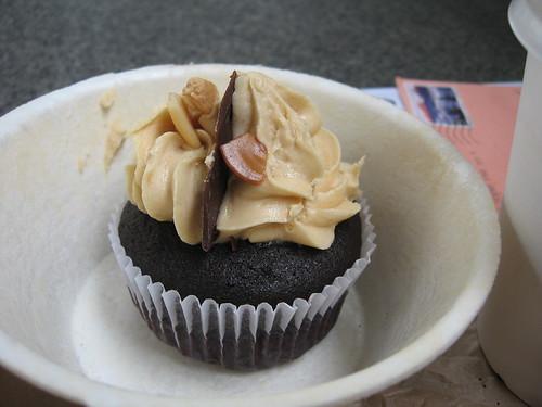 welcome home cupcake