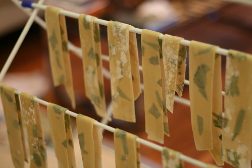 drying silhouette pasta © danandtuesday