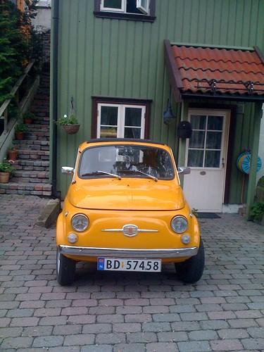 Yellow Fiat in Drøbak