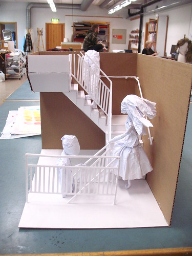 paper model - straight on