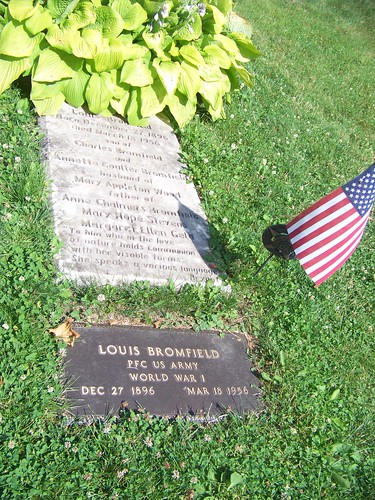 Louis Bromfield grave slab