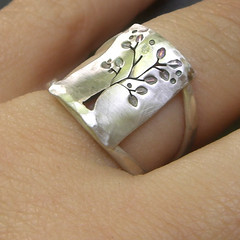 Leafy Silver Tree Ring