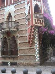 Antoni Gaudi - Calle de les Carolines