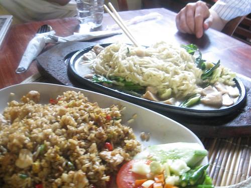 Nasi goreng & Mie ayam hot plate cah jamur