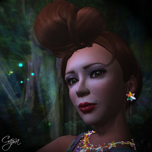 I love this fun and fashionable updo from Mirone and the innate glow in the Curio Pinup skins are ideal for a moonlight dance.