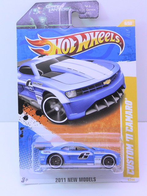 hot wheels custom '11 camaro blue (1)