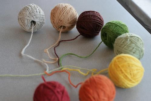 Yarn ballz, far focus
