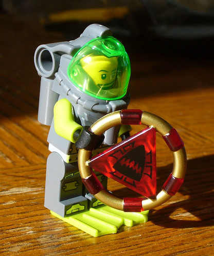 Diver with Ring Element