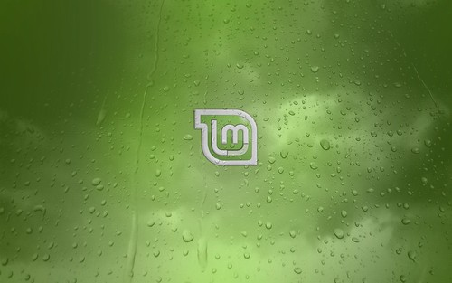 Linux Mint - Green Water Droplets