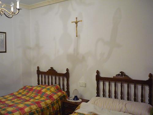 Spanish twin beds