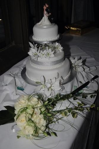 Cirencester Cupcakes - Sara & Adam's Wedding Cake