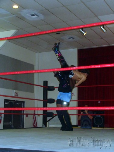 Mike Sydal takes the fight to the Peoria Pride Champion Eric Allen, but comes up short due to Allens underhanded tactics. Photo by Kari Williams