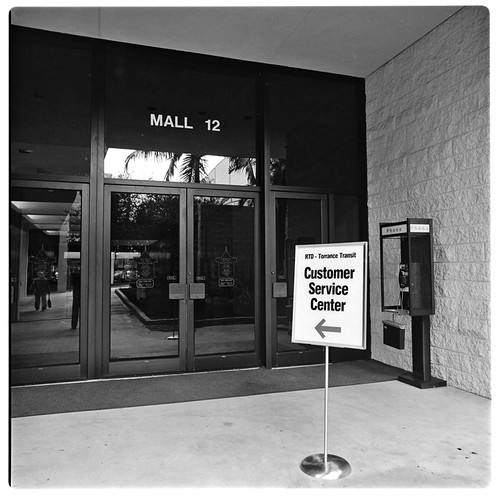 SCRTD - Del Amo Customer Service Center RTD_1119_03