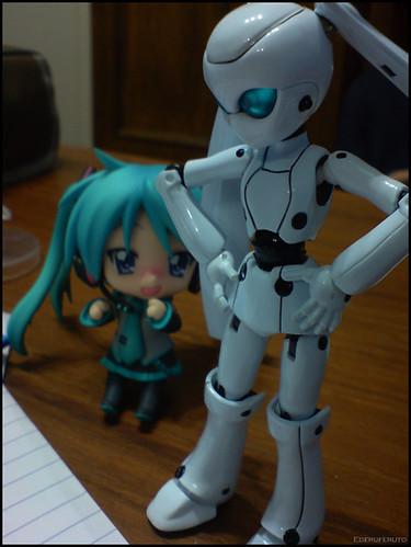 Kagami looking @ Ojou-sama