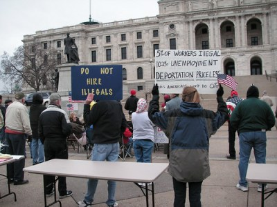 """Protest by the Tea Parties """"against amnesty and illegal immigration"""" in St. Paul, Nov.14, 2009 - Photo: Fibonacci Blue/Flickr"""