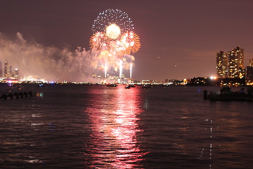 Macy's 4th July Fireworks, Hudson River as seen from NJ by you.