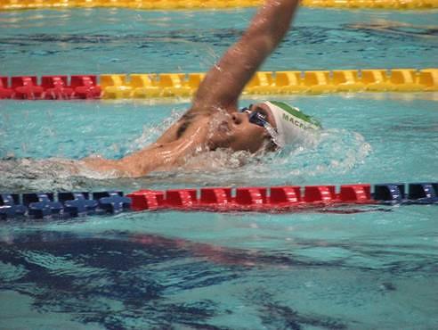810唐皓東刷新男子200米仰泳澳門紀錄