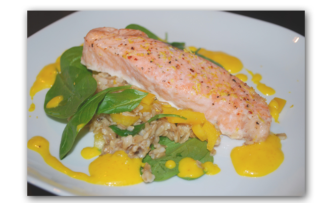 Salmon with saffronsauce