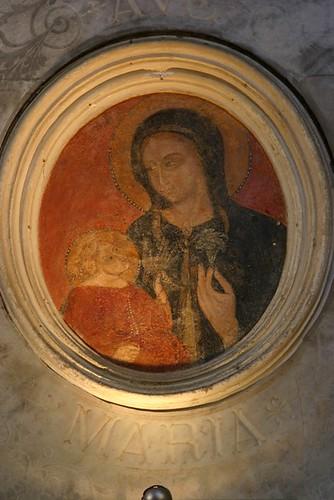 Madonna col bambino 'ferita'
