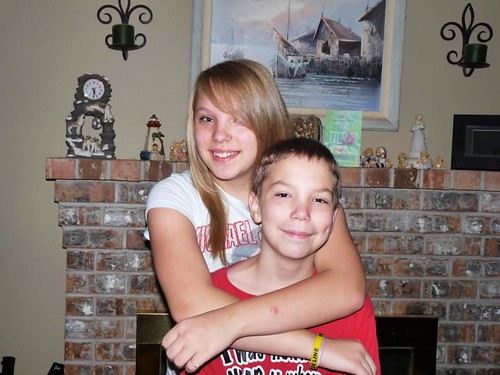 Sissa and Mo, first day of school, September 2, 2009.