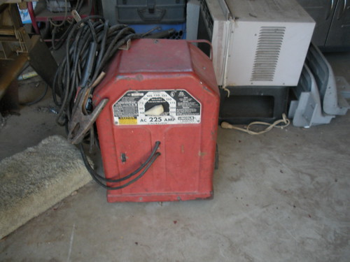 Lincoln 225 arc welder