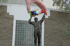 Wayne Gretzky Statue