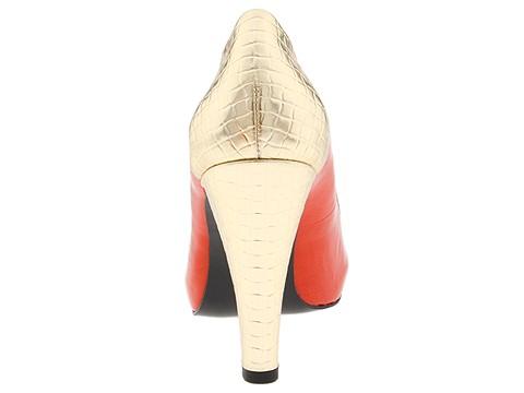wedding shoe parade
