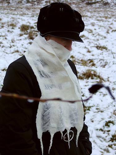 nuno felt scarf white