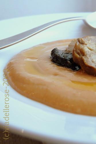 Zuppa di fagioli,carote e porcini all'olio di mandarino