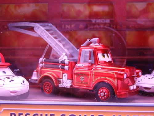 Disney CARS SDCC Rescue Squad Mater,Mia n Tia (1)