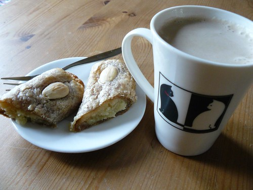 Hot speculaas & almond paste in puff pastry