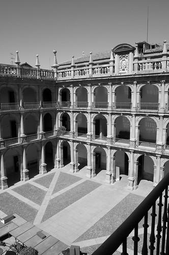 Patio Santo Tomás de Villanueva (III)