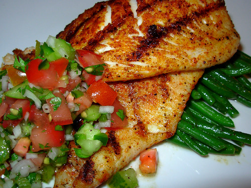 Grilled tilapia with Turkish paprika, salsa fresca, green beans