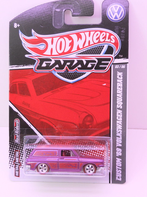hot wheels garage '69 custom volkswagen squareback (1)