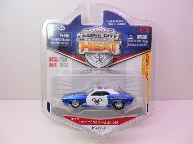 jada toys badge city heat wave 2 '70 dodge challenger (1)