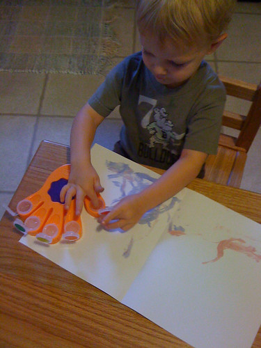 Graham finger painting with color wonder by Crayola