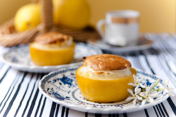 Rice and lemon souffle