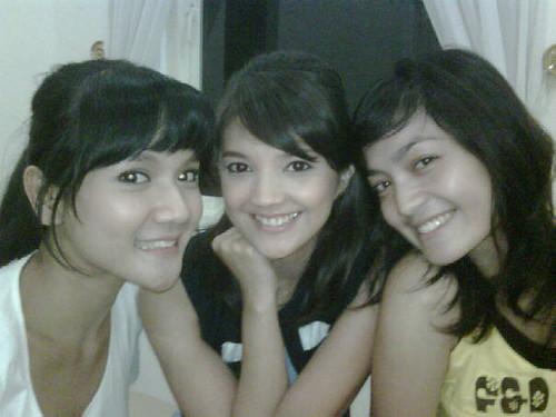 Foto Keakraban Ranti-Wina-Shireen (Fitri Ayu Maresa, Anisa Sulandana dan Imel Putri Cahyati)