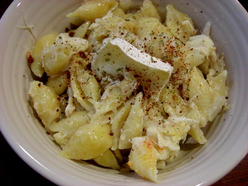 Macaroni and Brie with Crabmeat