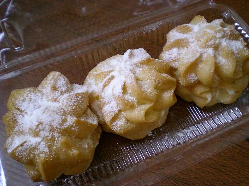 Durian cream puffs