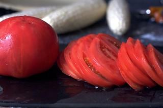 peeled, sliced beefsteak tomatoes