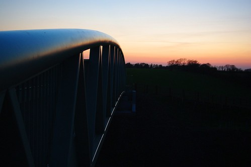 20100416-05_Sunset behind Lawford Heath + footbridge over RWRR by gary.hadden