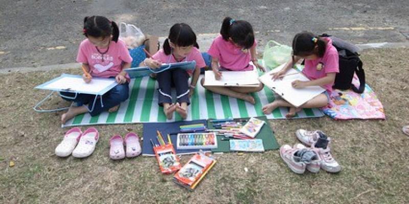 【寫生】台南小西門:四個女兒一起畫(6.8ys)