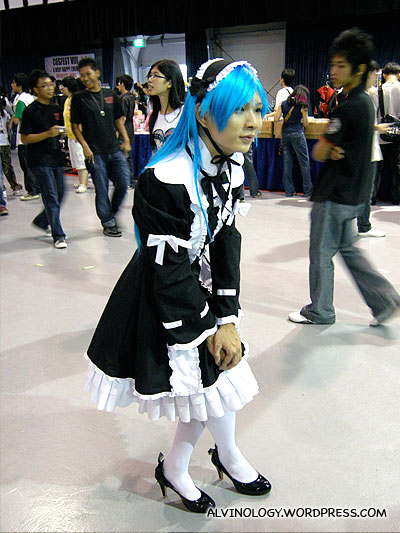I am 101% sure this cosplayer is a guy